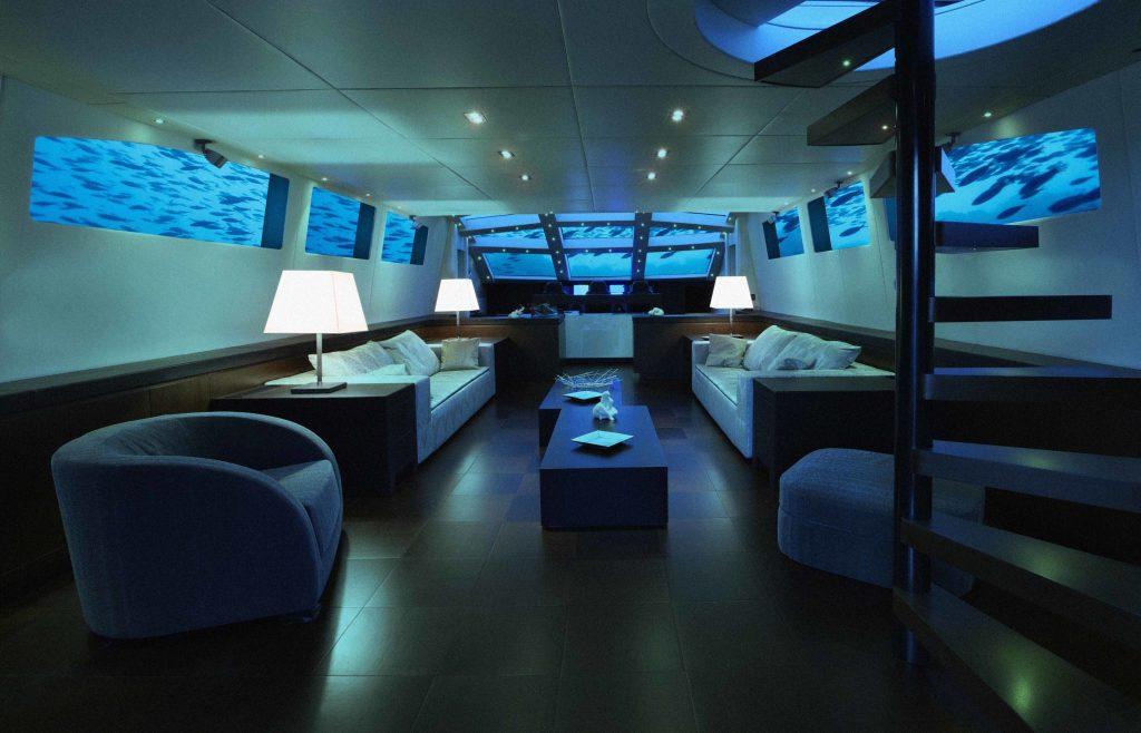 Deep U-Boot Lovers Lounge Sitzgelegenheiten