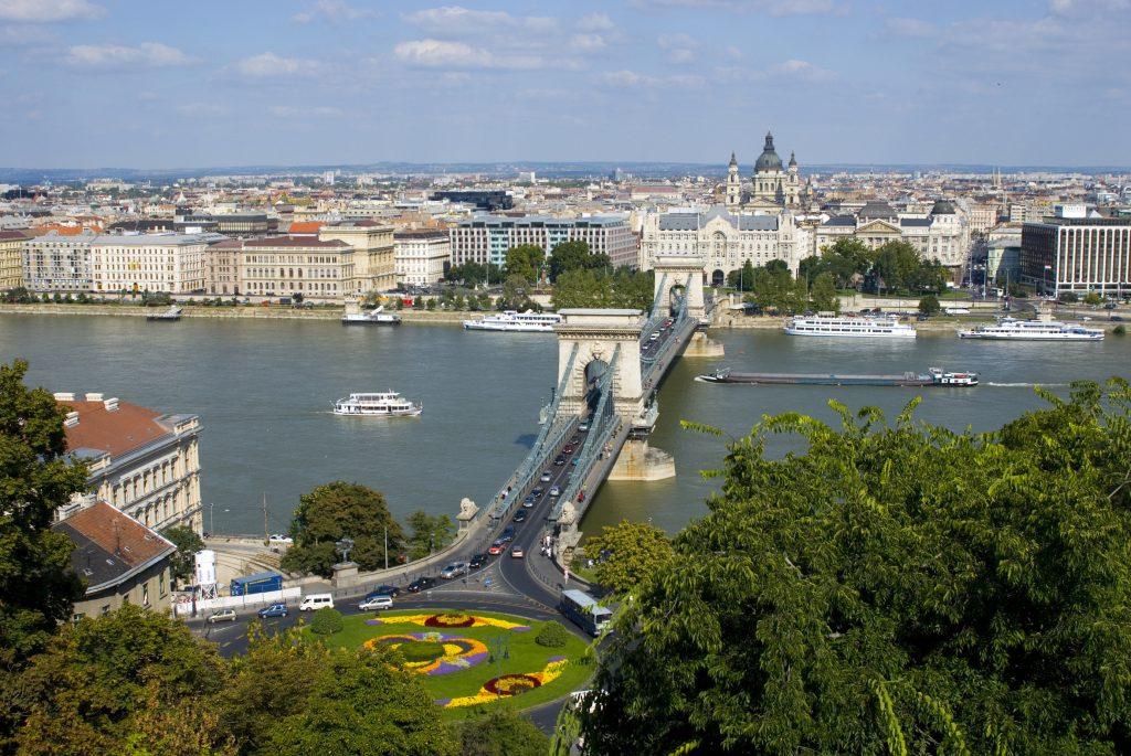 Günstige Flüge nach Budapest