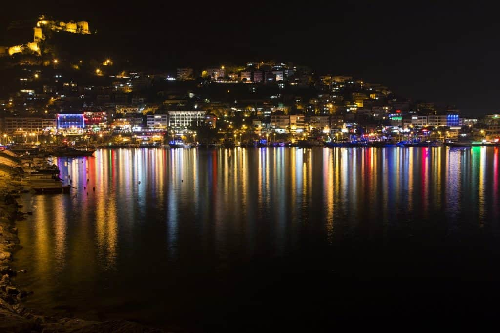 Hafen Panorama am Abend Stadt Alanya