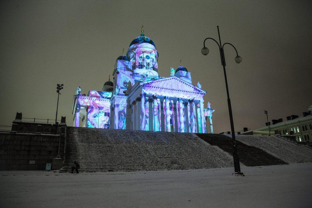 Katehdrale Helsinki zum Weihnachtsmann nach Lappland - günstig Reisen nach Finnland