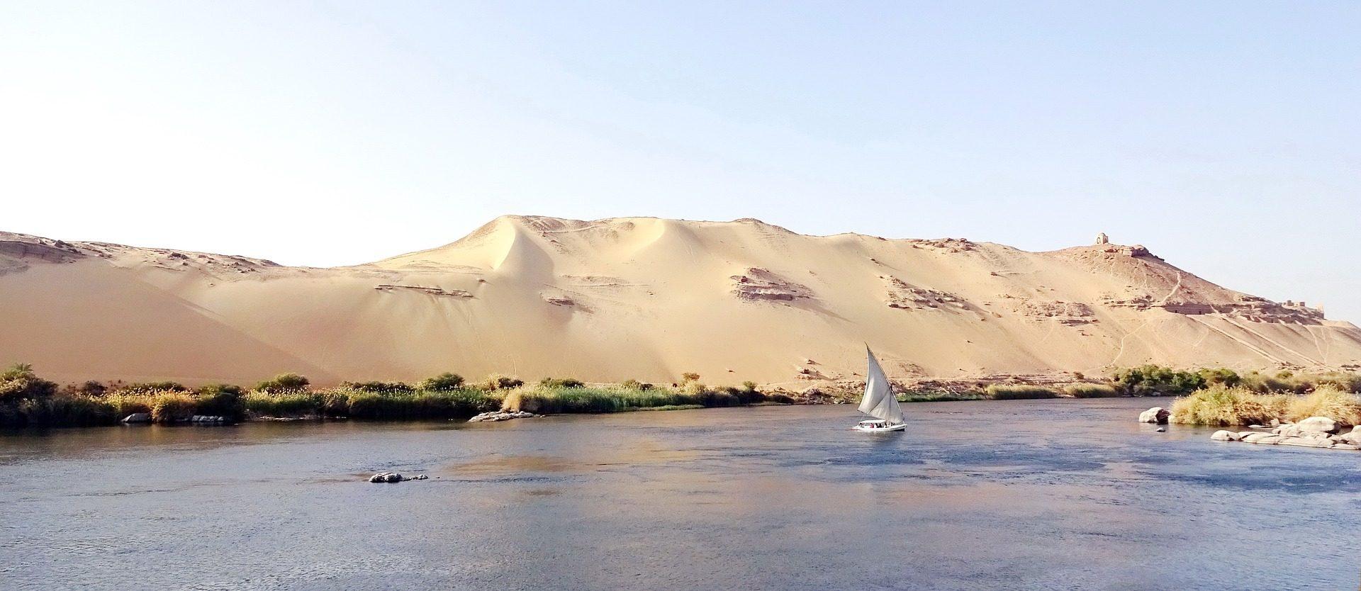 Nilkreuzfahrt und Badeurlaub Wüste