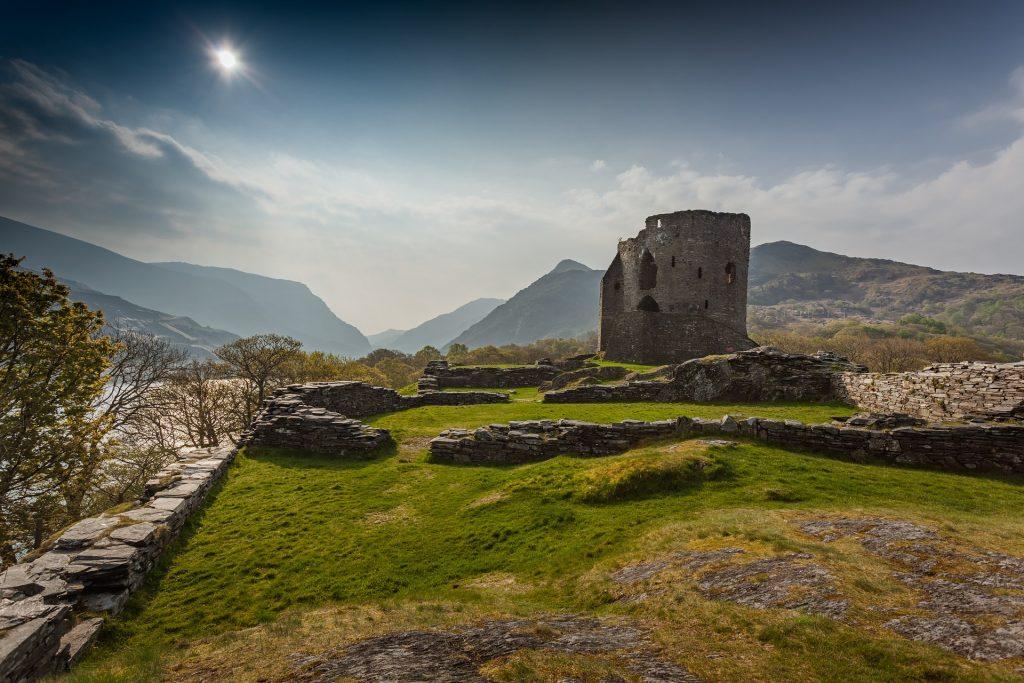 Reise nach Wales 3 Nächte inklusive Rugby Ticket Wales vs. Südafrika - Landschaft Burg