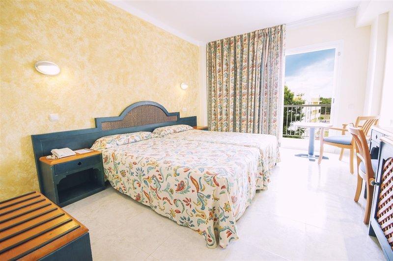 Beispiel Hotelzimmer Kurzurlaub auf Ibiza All Inclusive - günstig Urlaub buchen über WoW ab 295,60€