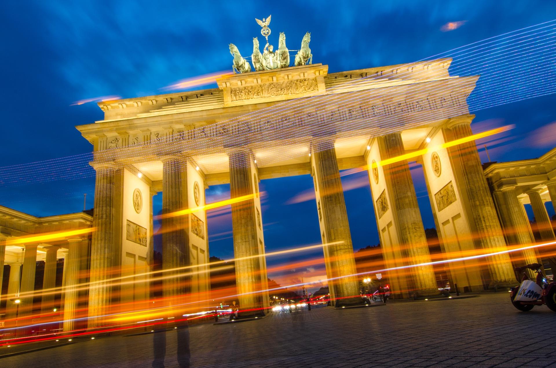 Alexanderplatz Berlin Köln nach Berlin Flug & Hotel ab 90,00€ - eine Woche Berlin ab 202,00€