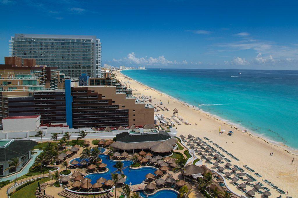 Bsp. von oben Pool Hotel Mexiko Urlaub 3 Wochen All Inclusive günstig ab 1475,00€ - Cancun Yucatan