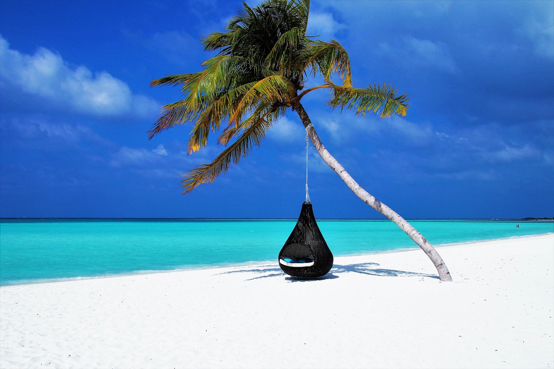 Chillen auf den Malediven am Traumstrand