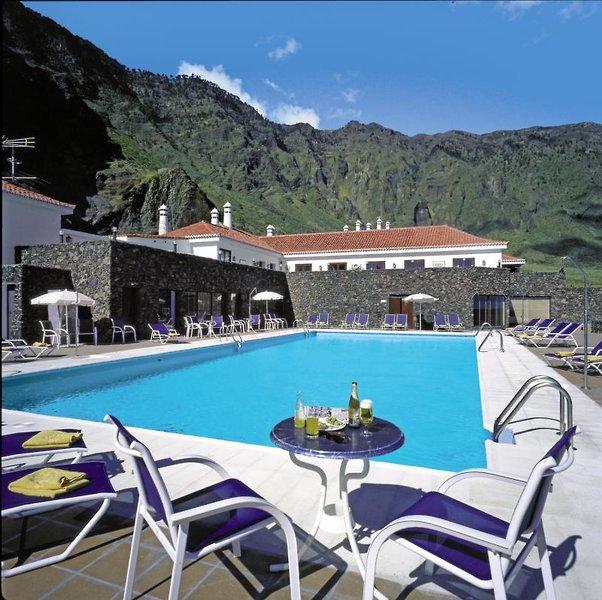 Der Pool vom Hotel in el Hierro Las Playas eine Woche günstig ab 387,70€