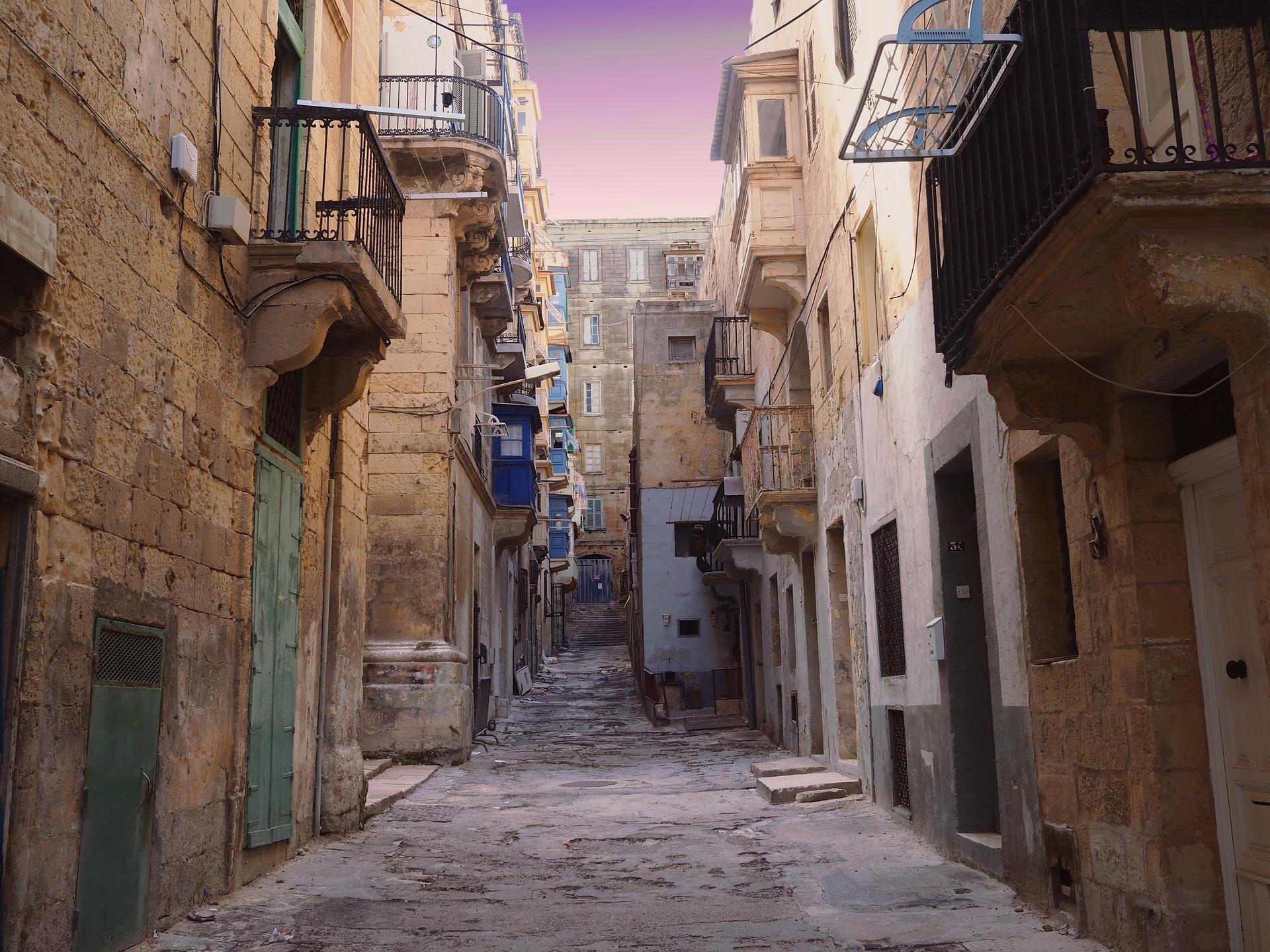 Gassen auf Malta in der Innenstadt- günstig Malt buchen