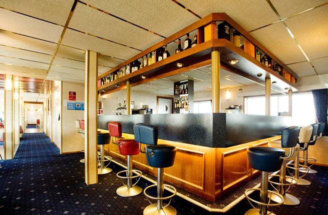 Hotel lobby Chillen in Amsterdam eine Nacht im Bootshotel ab 22,50€