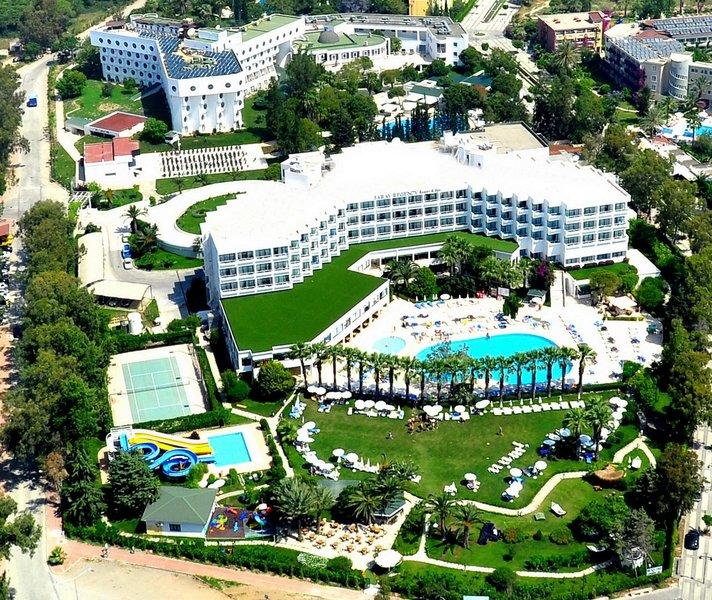 Hotelanlage von oben All Inklusive Urlaub in Türkei ab 196,00€ - Side Titreyengöl 4,5 Sterne