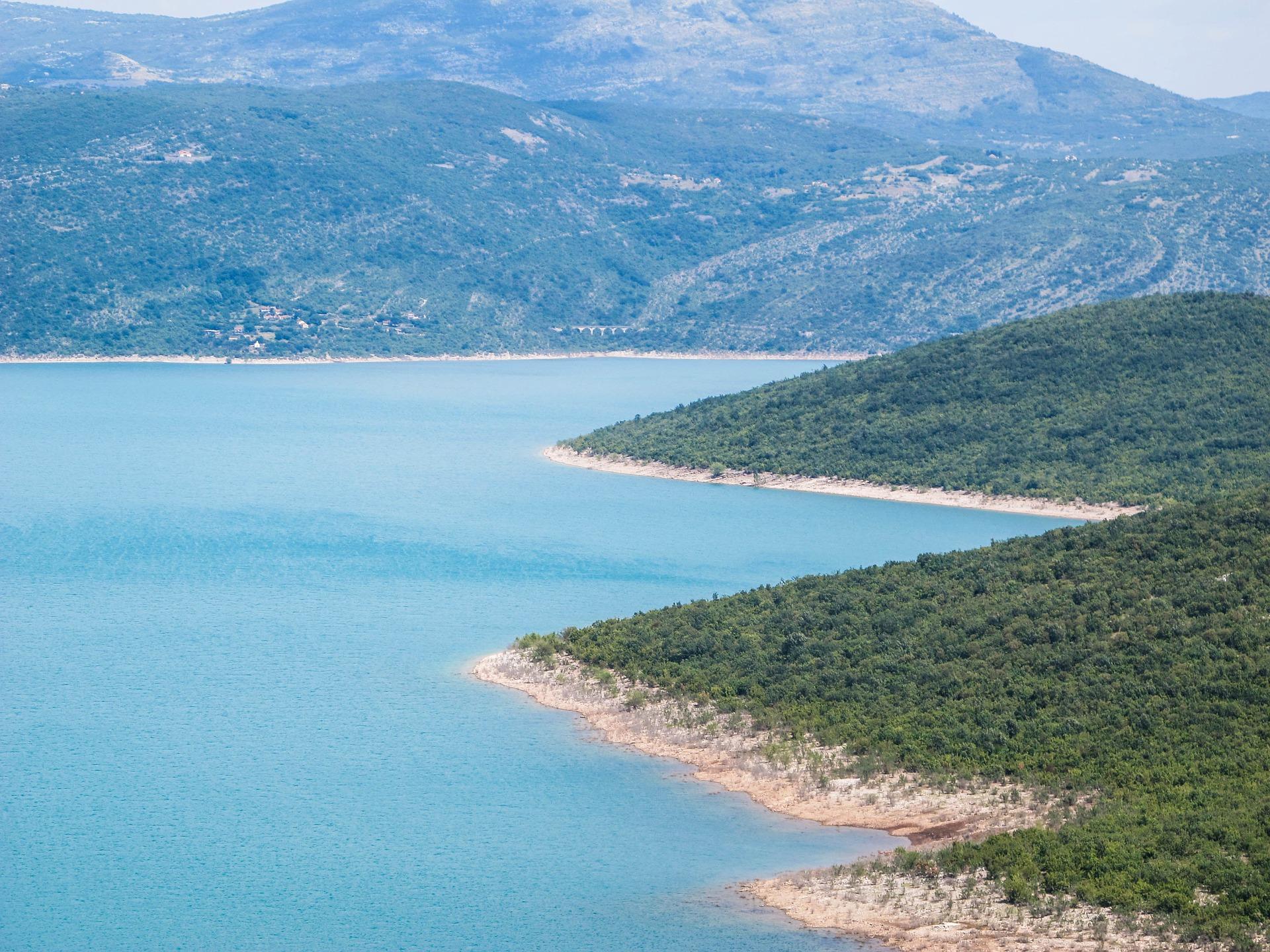 Im Land gibt es soviele Seen zu entdecken