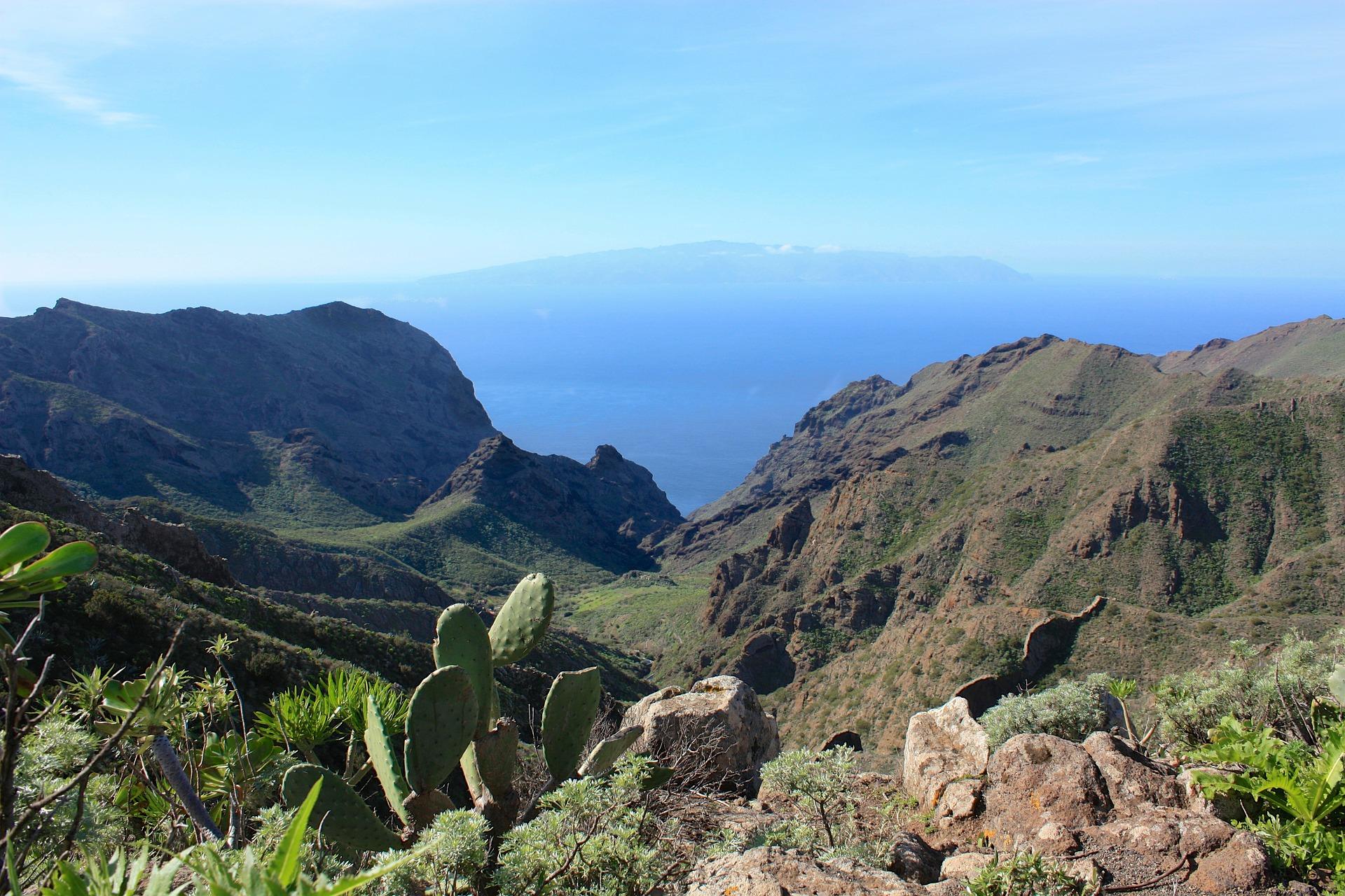 Landschaft auf der Insel Gomera auf den Kanaren
