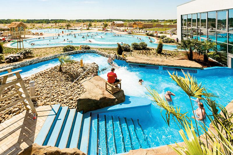 Nicht nur im Sommer kann man im Outdoor Pool badenNicht nur im Sommer kann man im Outdoor Pool baden