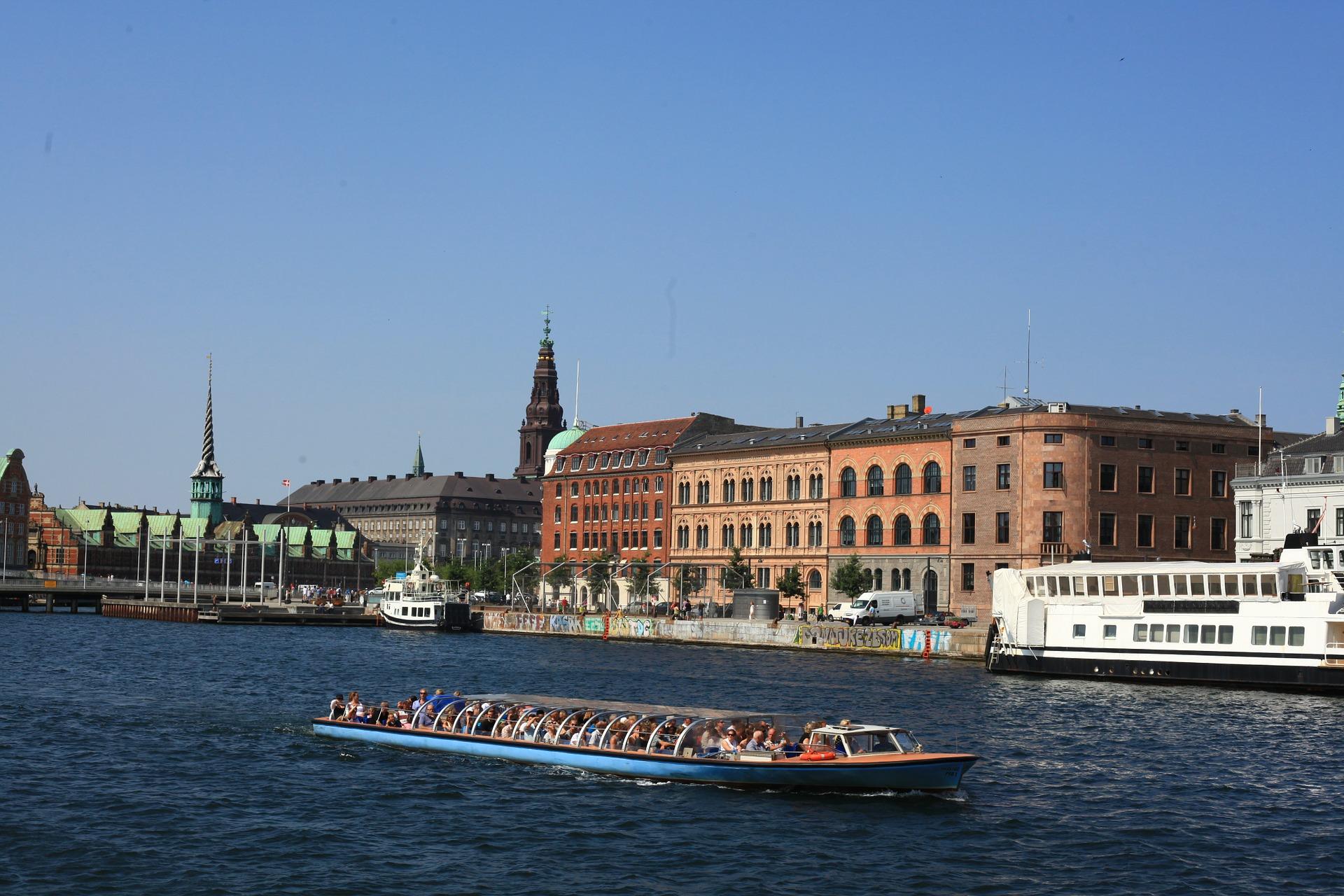 Piraten Tour durch Kopenhagen Hop on Hop of Boot & Busticket ab 35,00€ 48 Stunden lang ist das Ticket gültig