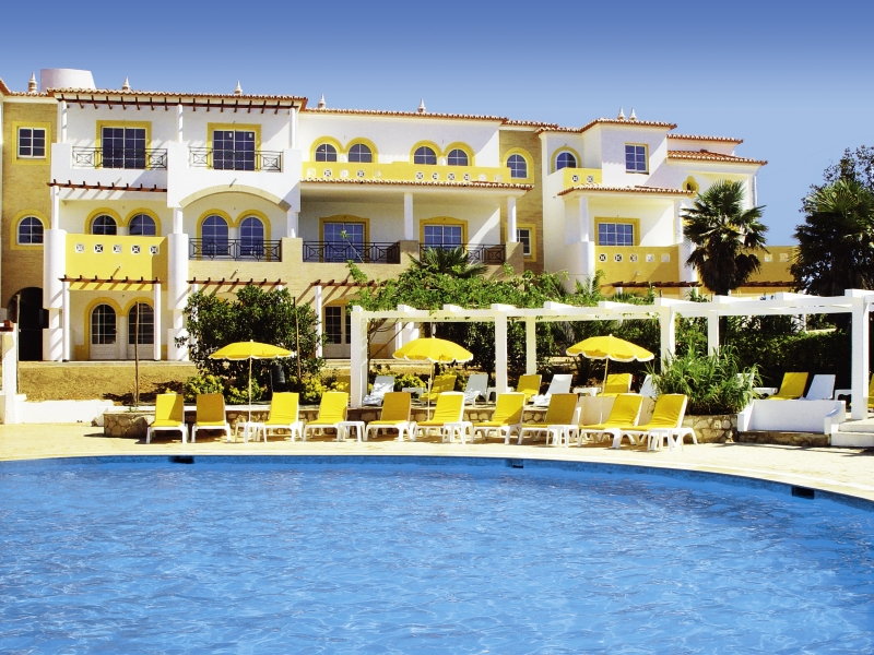 Pool Hotelanlage Kurzurlaub in Portugal