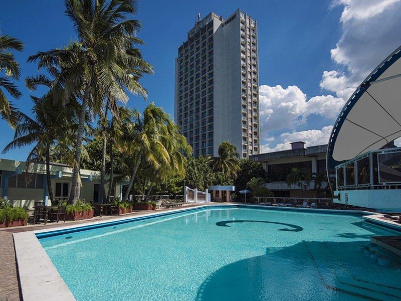 Pool im Hotel in Havana - Kuba
