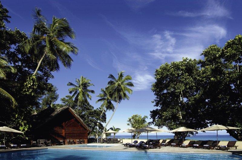 Pool vom Hotel auf den Seychellen