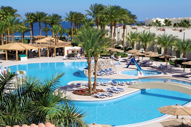 Poolanlage des Hotels während des All Inclusive Urlaub in Hurghada