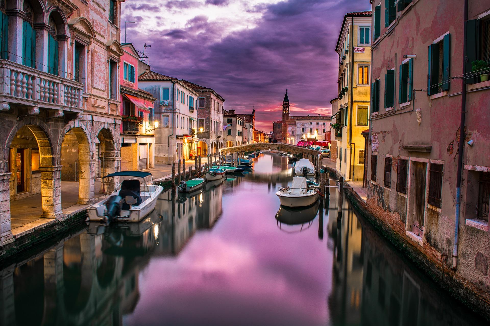 Städte Trip Venedig - romantische Gondelfahrt ab 32,00€ Flug & Hotel a