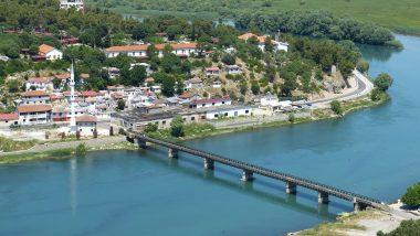 Städter Reise Tirana in die Hauptstadt von Albanien umhüllt vom Wasser