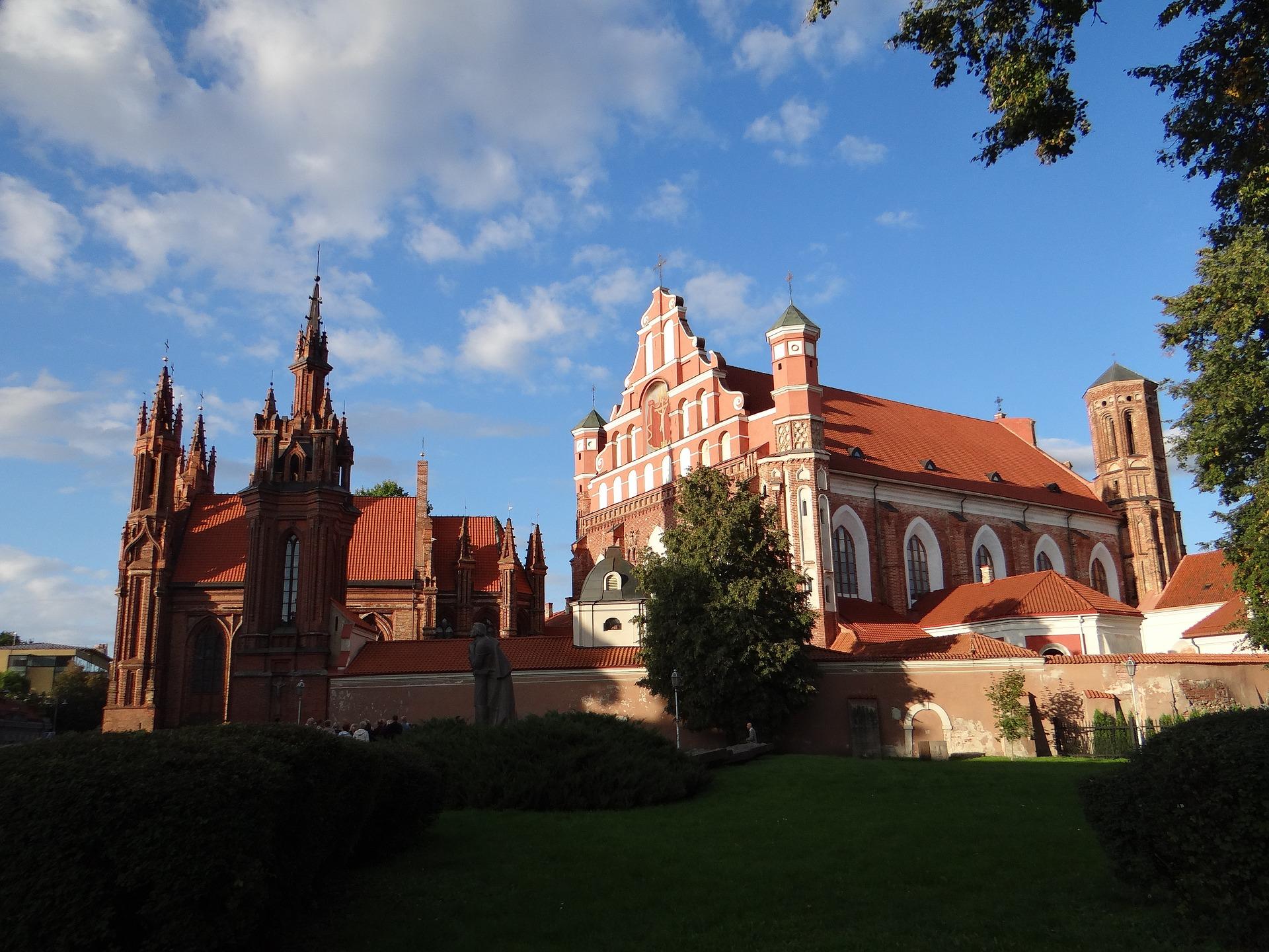 Städtereise nach Vilnius , Litauen 2 Nächte ab 48,48€ - Flug & Hotel Kirche