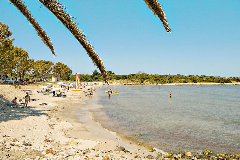 Strand am Hotel auf der Insel in Griechenland