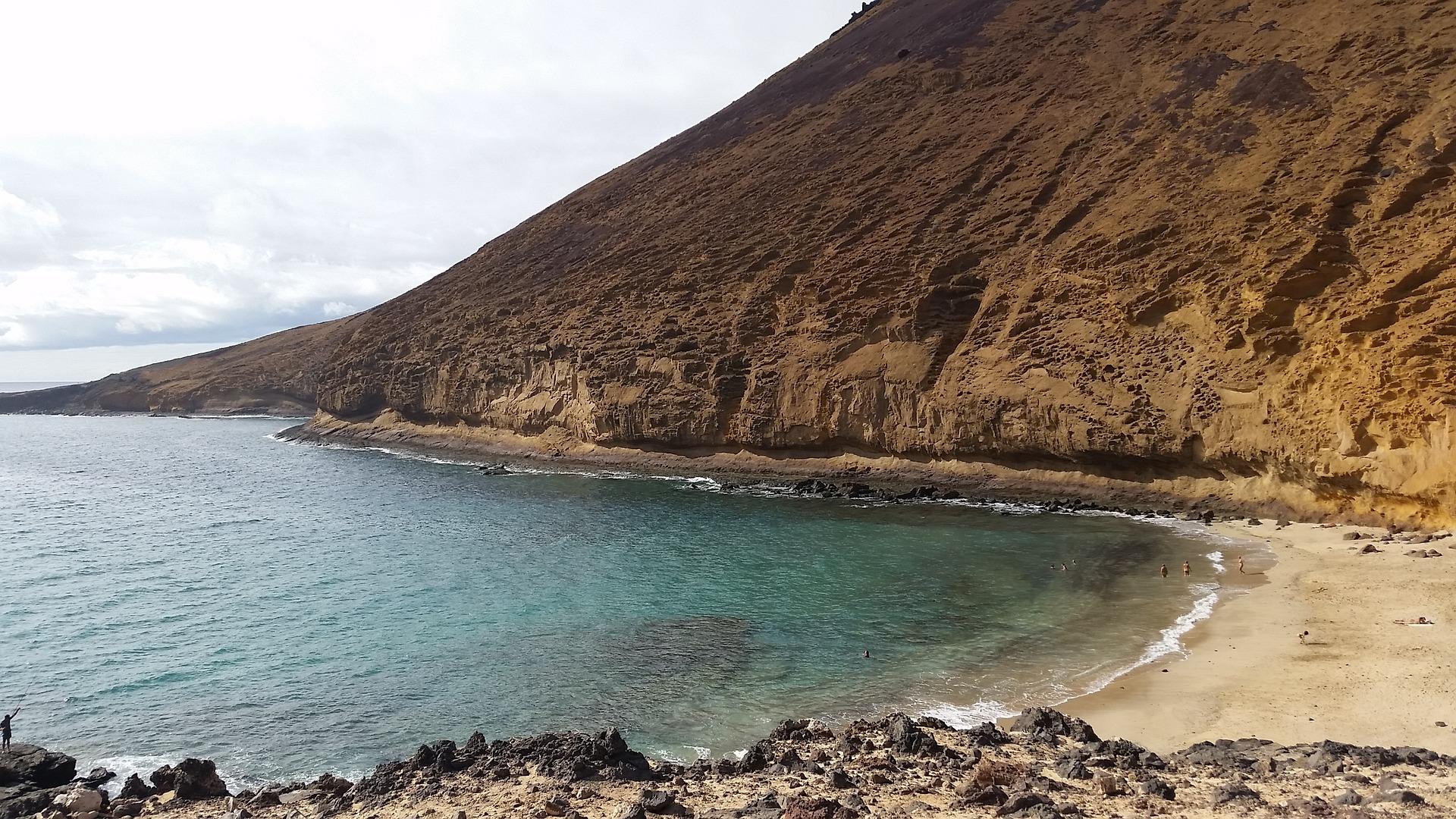 Lanzerote abgelgener Strand Playa Las cucharas