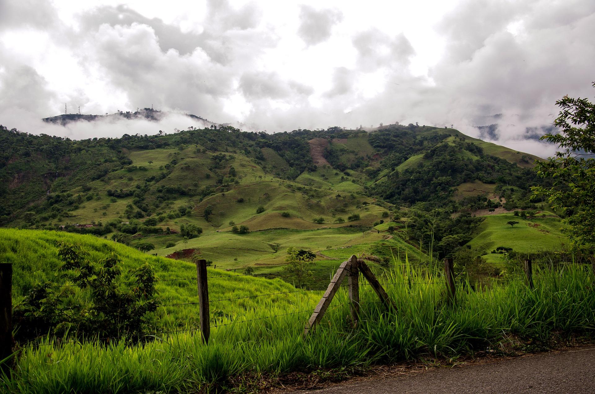 Bogota Tickets für den Salzbwergwerk Zipaquira - Die Landschaft auf dem weg dahin ist umwerfend