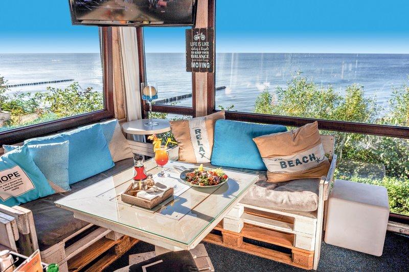 Das Restaurant im Kurhaus Max in Henkenhagen mit perfektem Blick auf die Ostsee