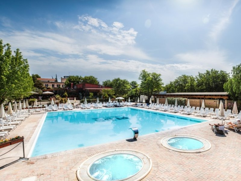 Der Pool am Bungalow Italien in Rom