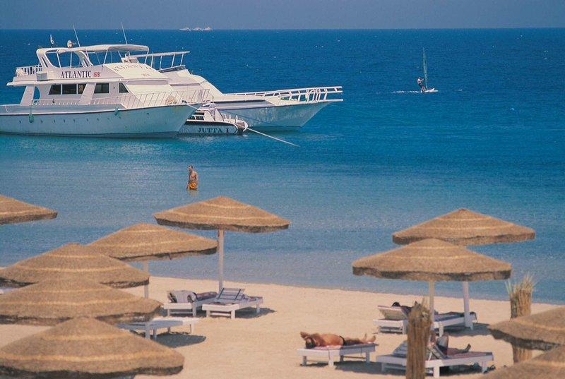 Ein Ausflug mitten ins rote Meer mit der kleinen Jacht lohnt sich- Port Safga All Inclusive Urlaub eine Woche Ägypten ab 160,00€