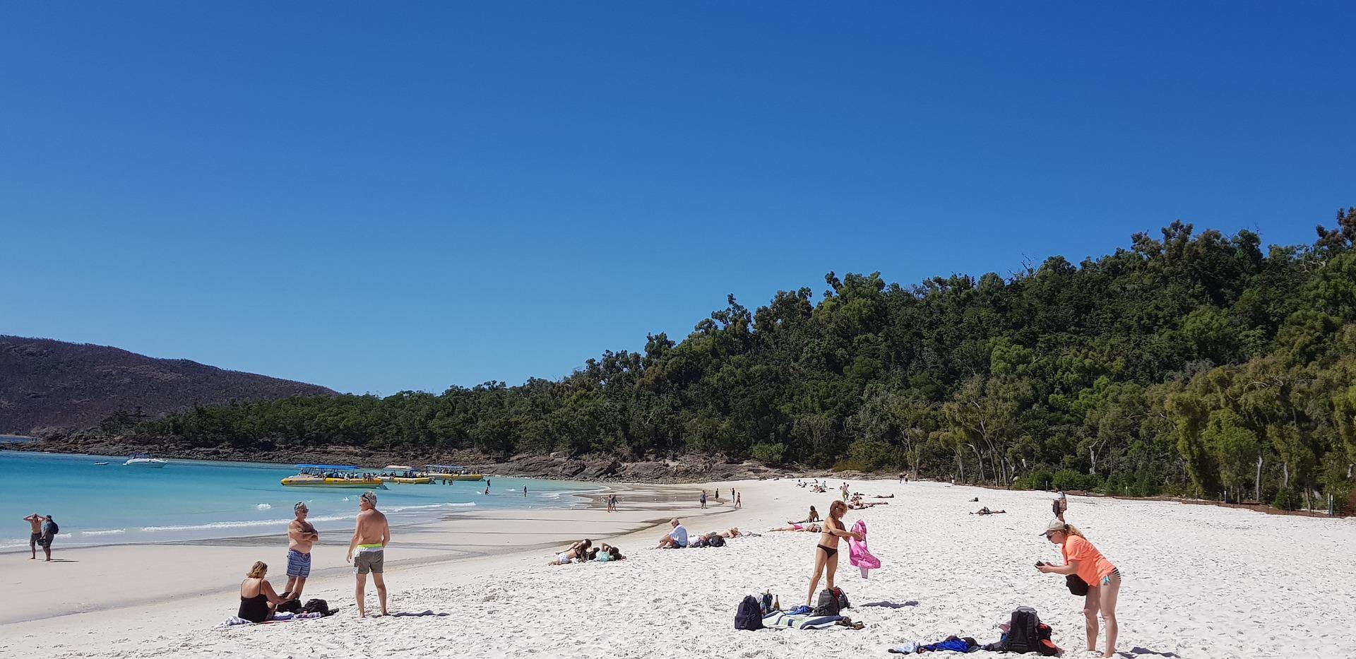 Es gibt zahlreiche Strändein Queensland an denen man baden kann