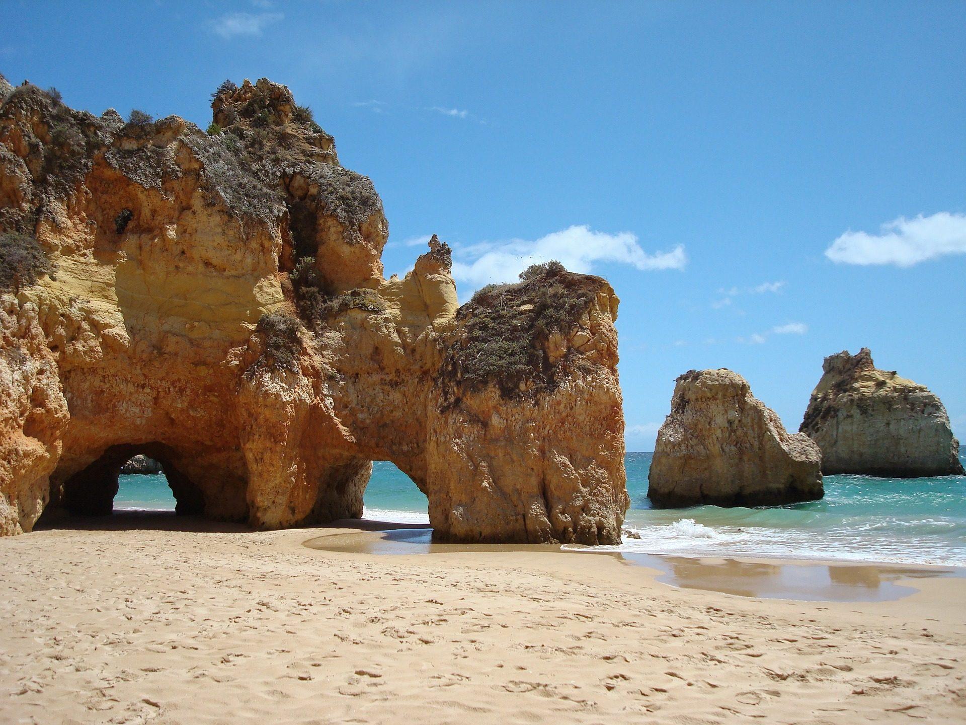 Flugangebot nach Portugal ab 3,90€ solltest du warnehmen bei diesem Traumstrand
