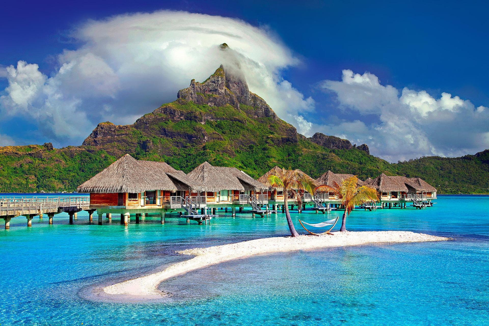 Bora Bora Reisezeit & Hotels im Südsee Atoll - beliebtese Insel im Südpazifik