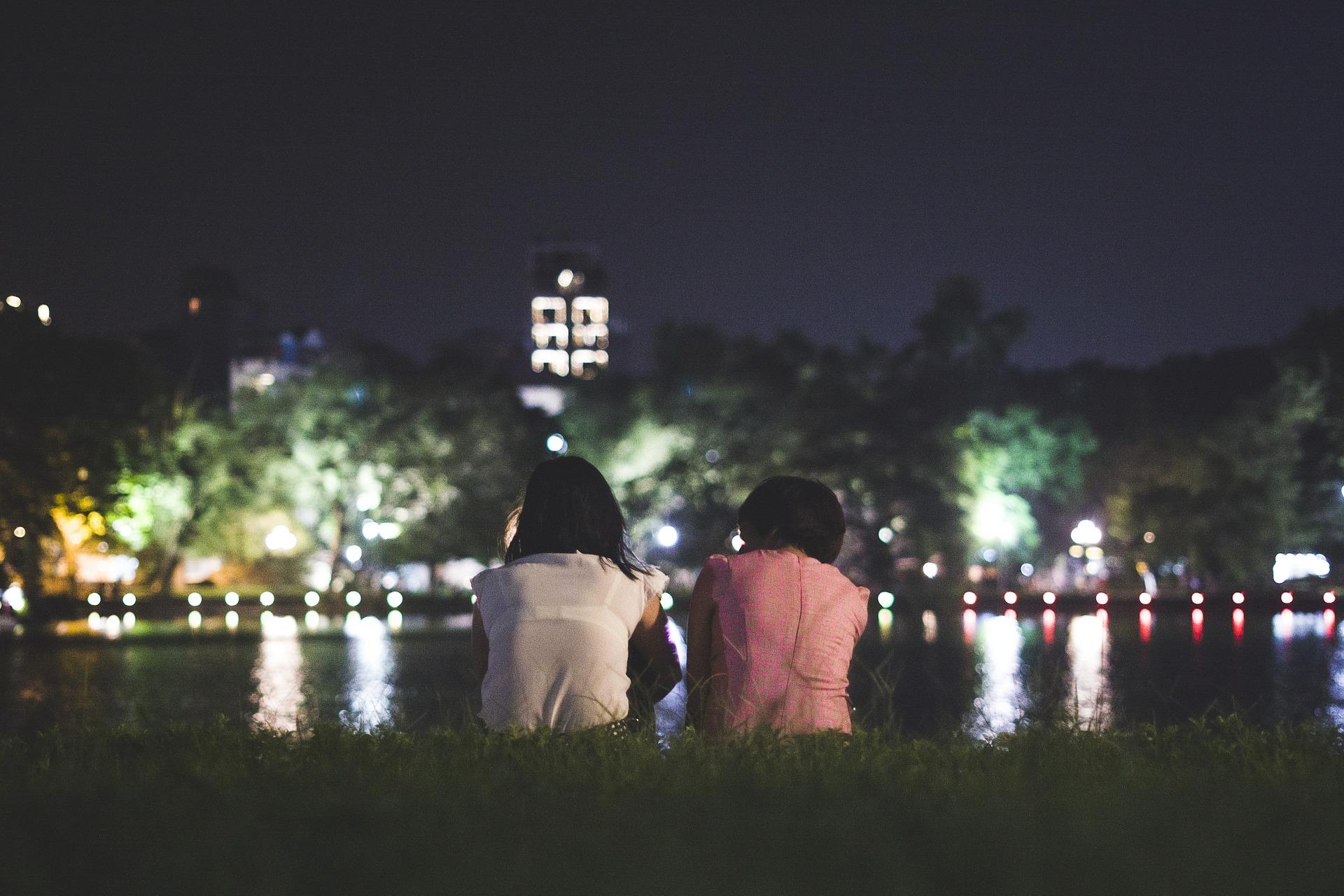 In der Stadt können Sie Nachts auch als Tourist die Straßen erkunden