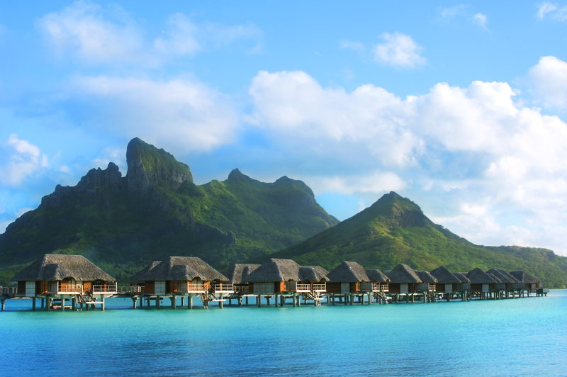 Polynesien auf Bora Bora leben circa 10.000 Menschen - die beliebteste Inel im Südpazifik