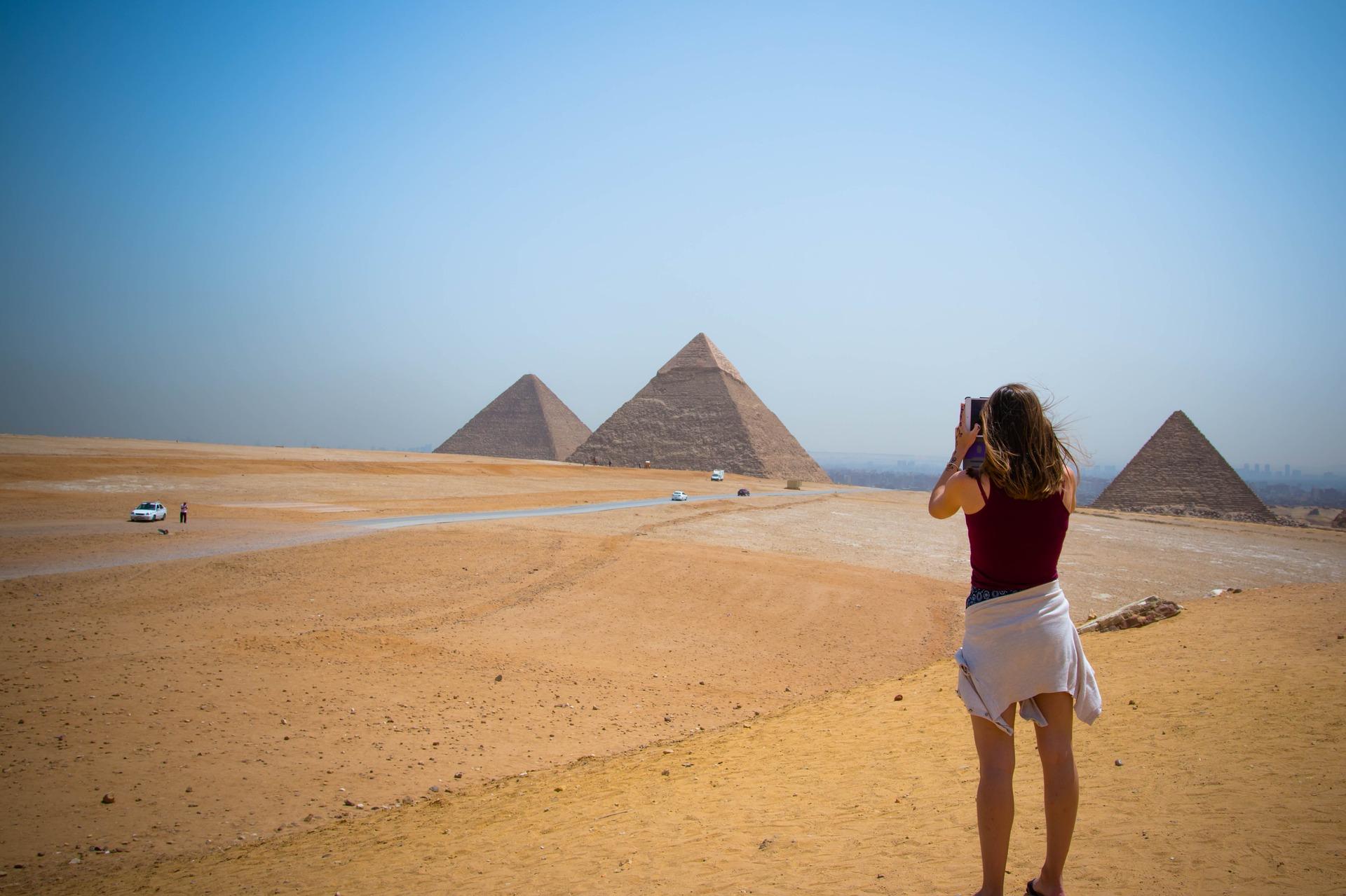Pyramiden in Ägypten bei einer Rundreise werden Sie viele Sehen - Kopie