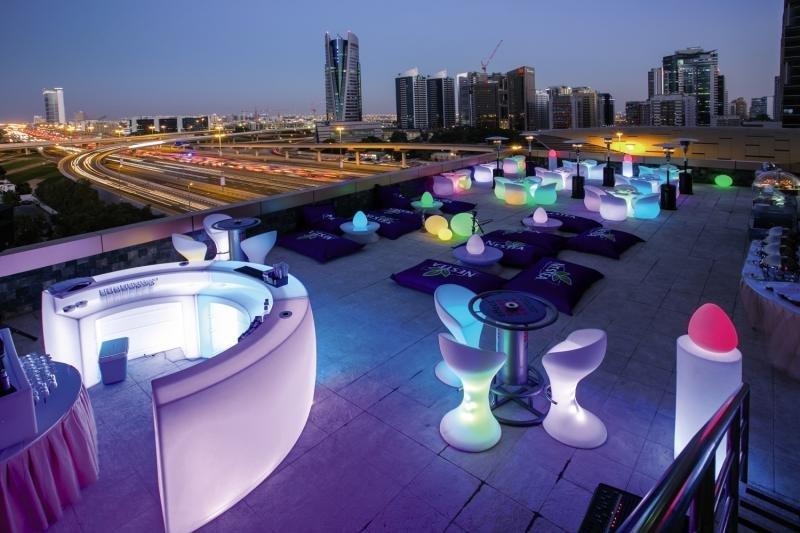Rooftopbar im Hotel in Dubai