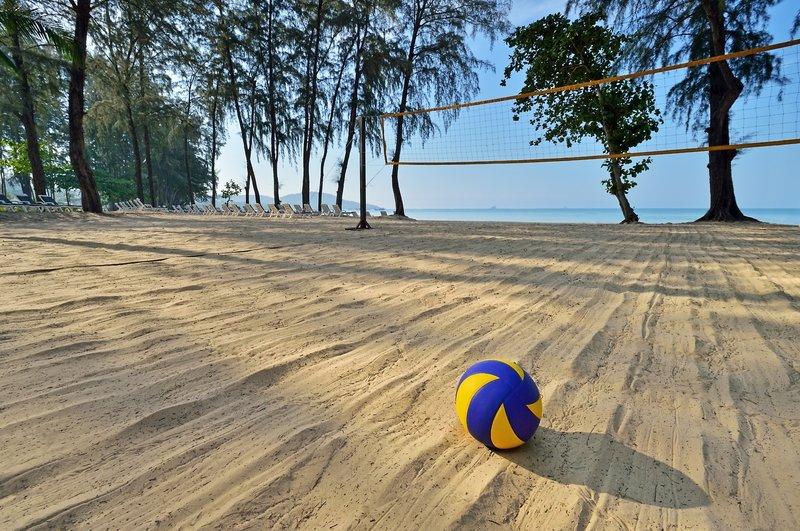 Volleyball spielen an den schönsten Stränden der Welt in Thailand