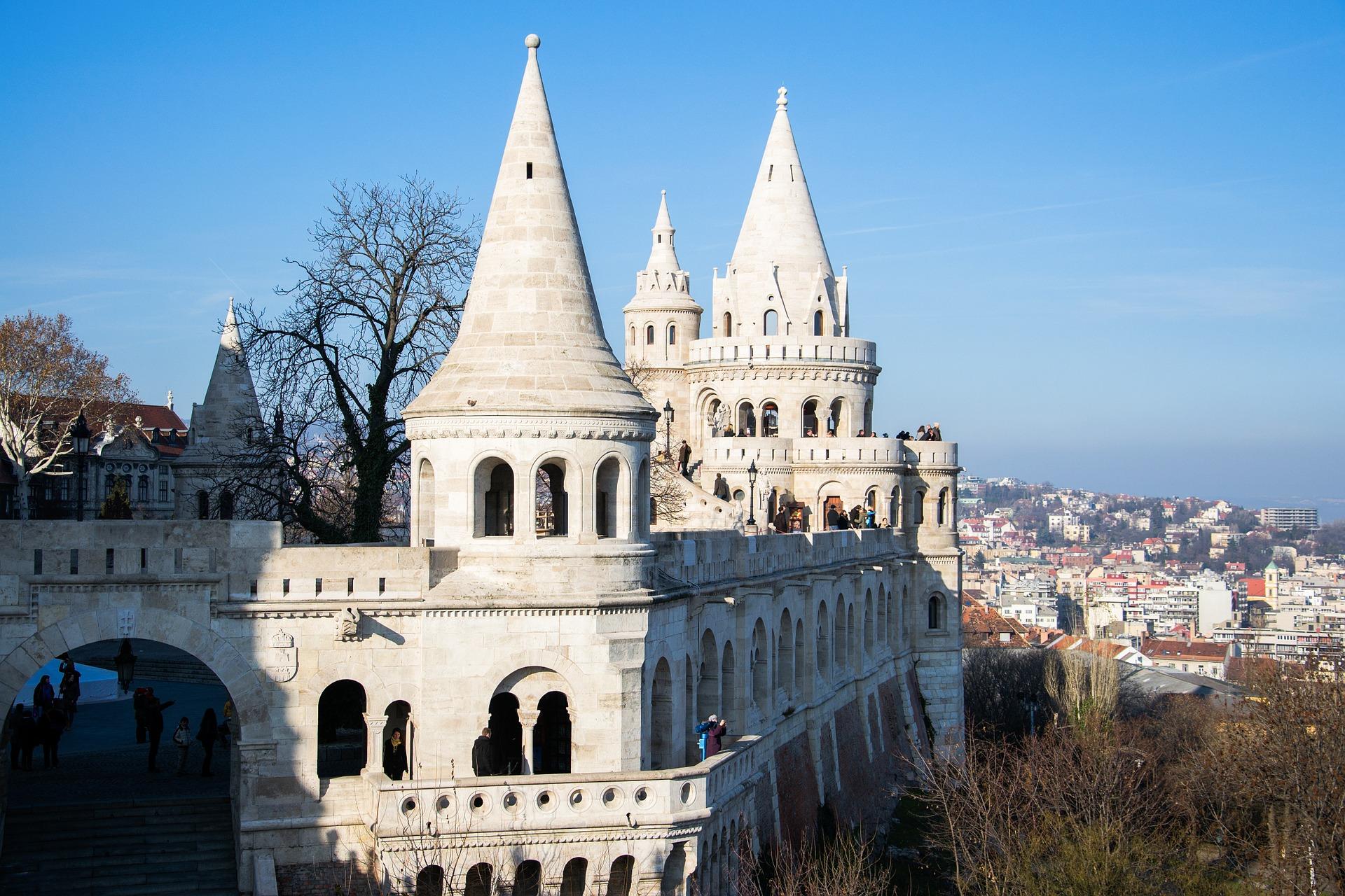 Vor Sehenswüridgkeiten werden Sie überschwemmt in der ungarischen Hauptstadt