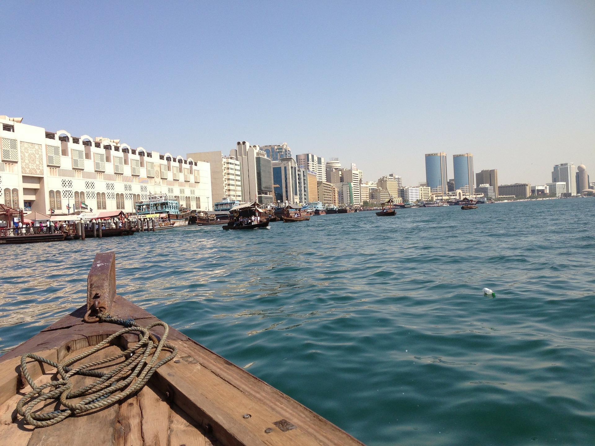 Dubai Urlaub nutzen Sie für den Stopover die Wassertaxen