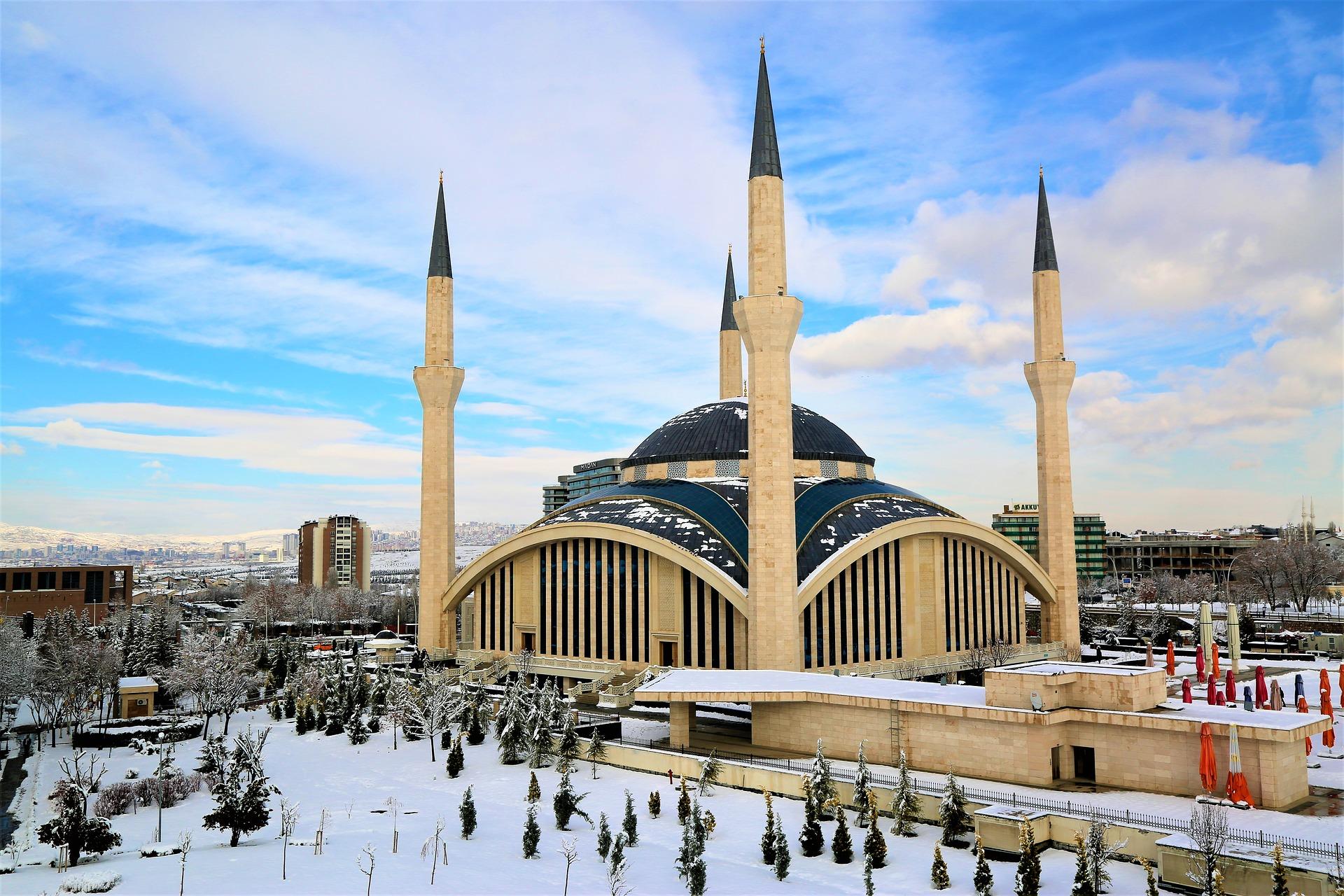 Ankara finde deinen günstigen Flug & Hotel ab 306,00€ die Woche