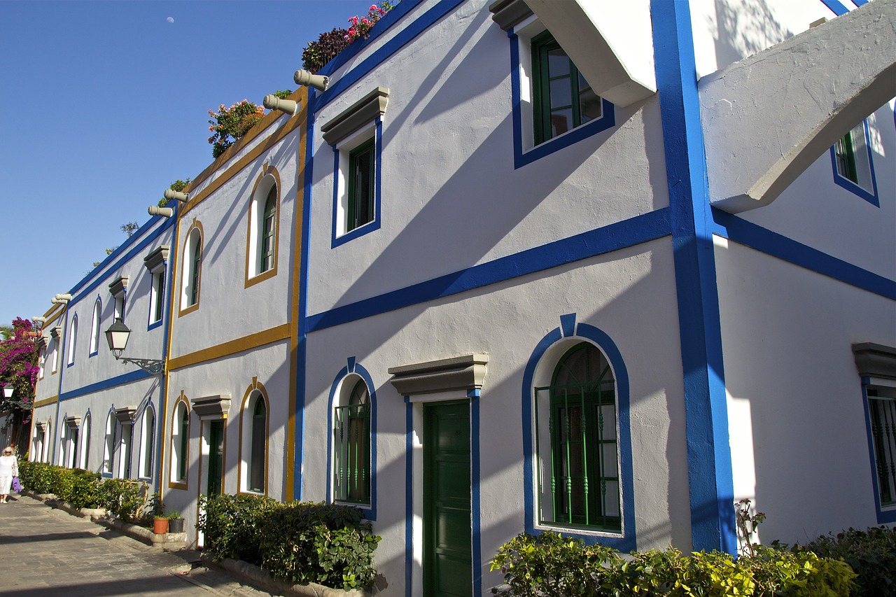 Architektur im Landes inneren außerhalb der Hotelanlagen am Strand