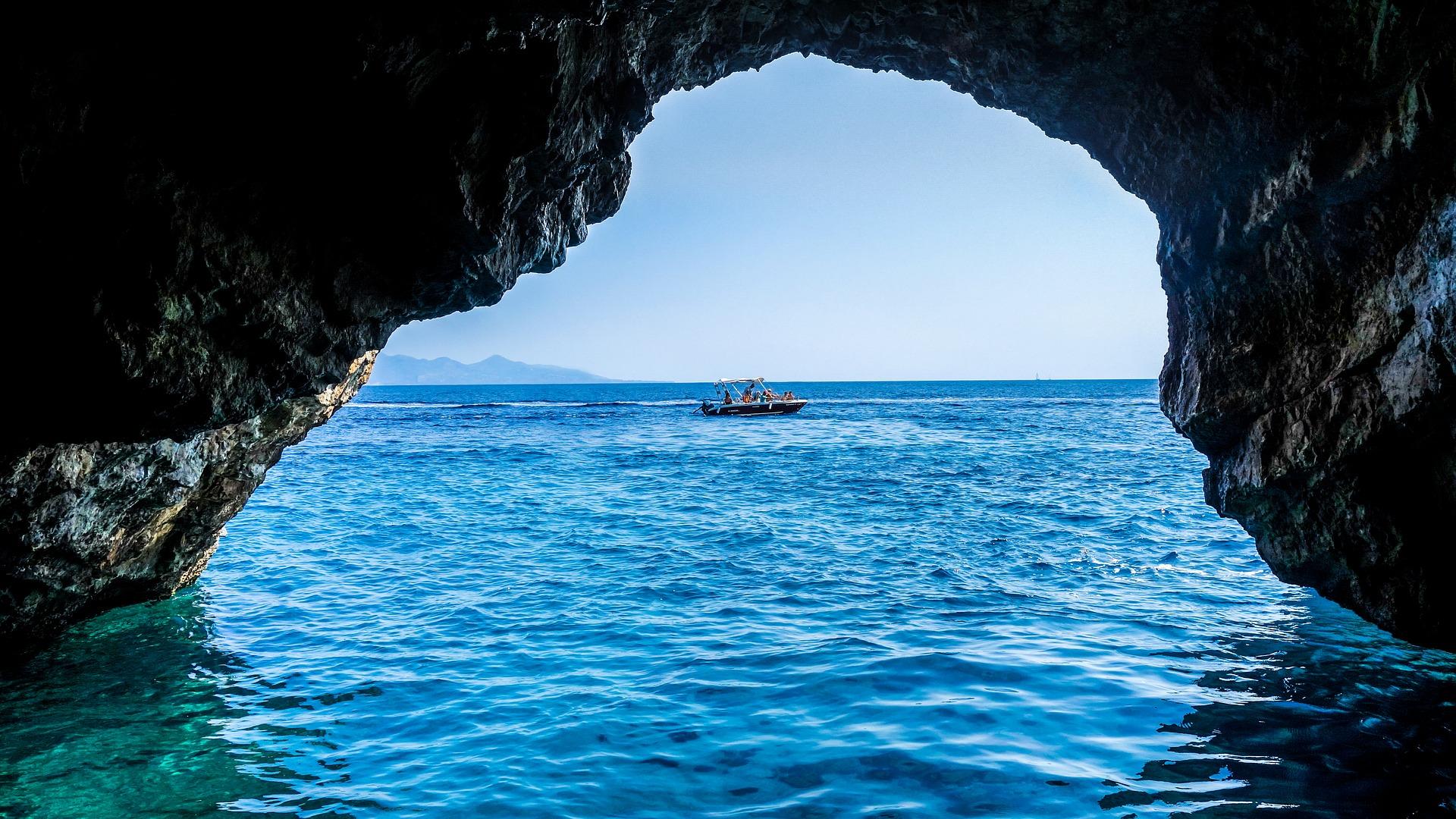 Auf Kreta findest du die berühmten Meereshöhlen