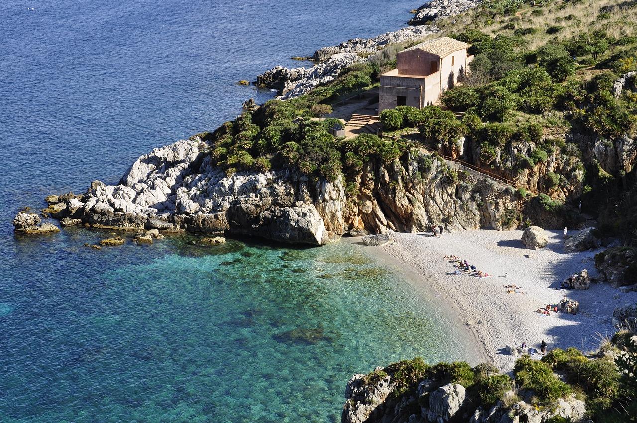 Buch bei diesen Stränden & Buchten am besten ein Oneway Ticket nach Italien