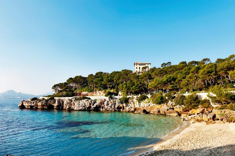 Cala Ratjada die Bucht direkt am günstigsten Hotel auf der gesamten Insel