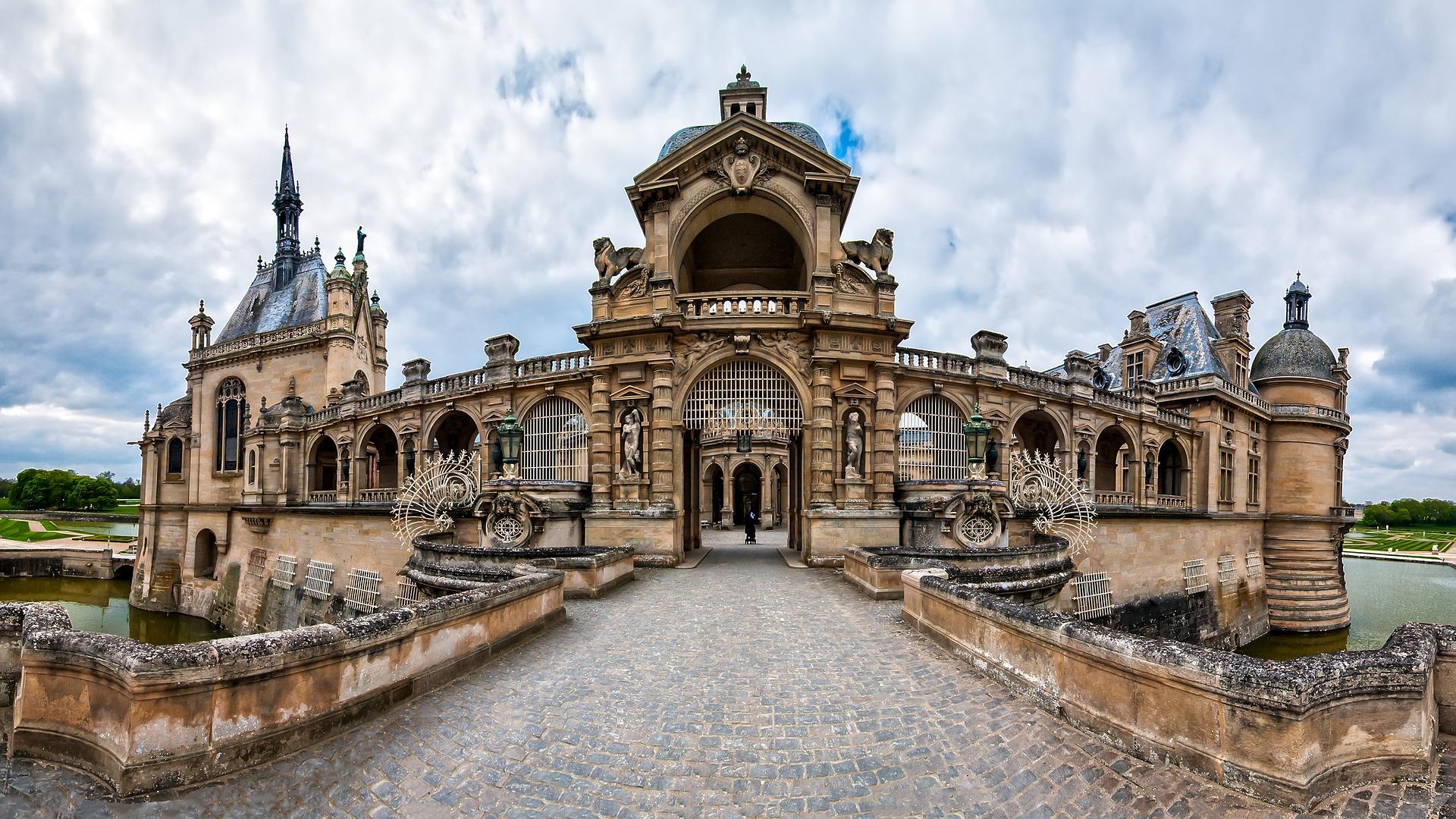Chateau in Paris einer der beliebtesten Sehenswüridgkeiten in der Stadt der Liebe