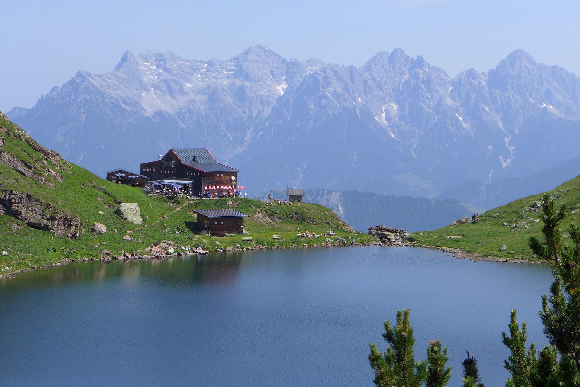 Daher ist Kitzbühl mehr als nur Skiurlaub, auch zum Radfahren & Wandern ist der Ort sehr beliebt