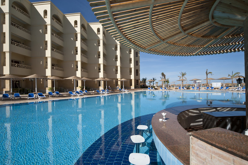 Das AMC Royal Hotel hat die beste Poolbar in ganz Hurghada