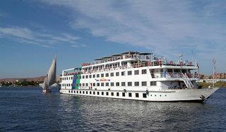 Das Flusskreuzfahrt Schiff von außen